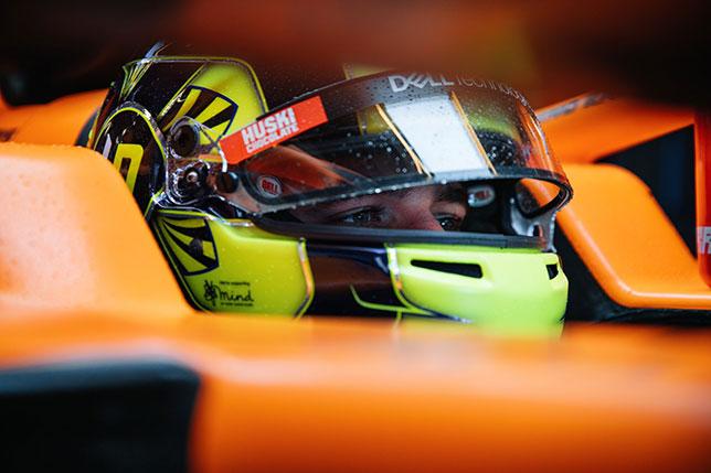 Ландо Норрис в кокпите McLaren MCL35M
