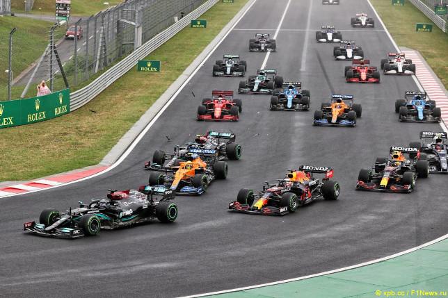 Гран При Венгрии. Контакт между Валттери Боттасом и Ландо Норрисом