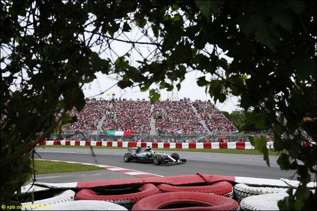 Льюис Хэмилтон на прошлогоднем Гран При Канады
