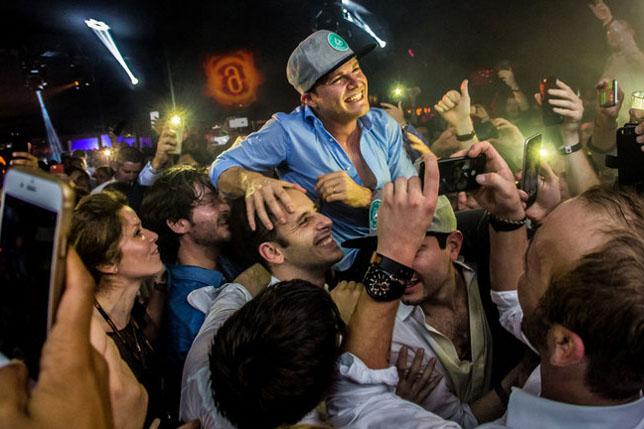 Нико Росберг на вечеринке по поводу своего титула, фото Amber Lounge