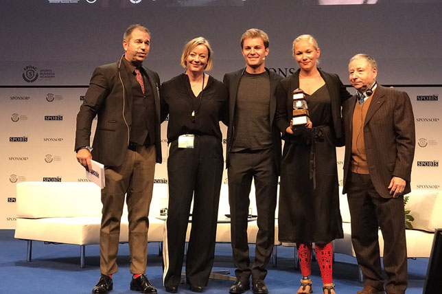 Кайл Эбел, Сабине Кем, Нико Росберг, Ванесса Лов и Жан Тодт на церемонии вручения награды Keep Fighting