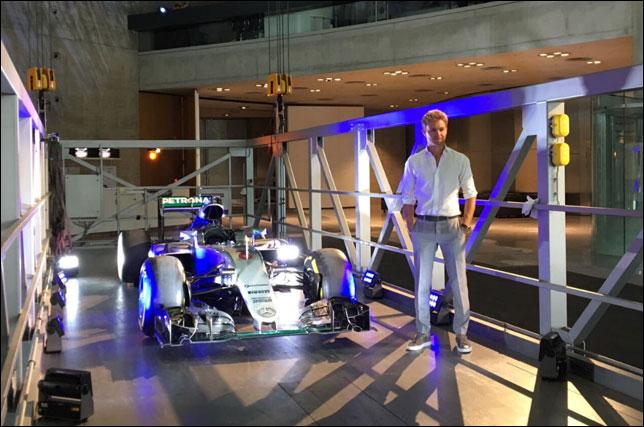 Нико Росберг в музее Mercedes-Benz