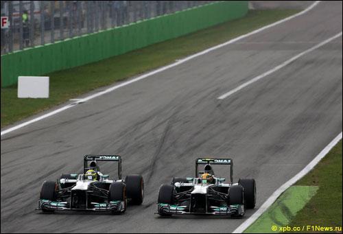 Нико Росберг и Льюис Хэмилтон на прошлогоднем Гран При Италии