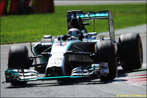 Льюис Хэмилтон в квалификации Гран При Италии