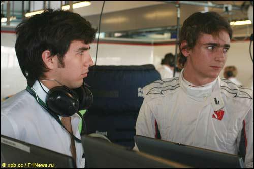 Участники молодёжных тестов Sauber - Серхио Перес и Эстебан Гутьеррес