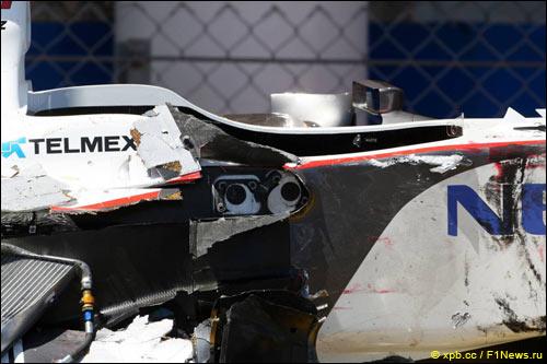 Машина Переса после аварии