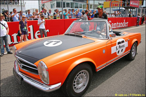 Серхио Перес на параде пилотов перед Гран При Германии