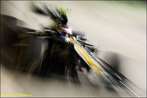 Виталий Петров на трассе Гран При Сингапура