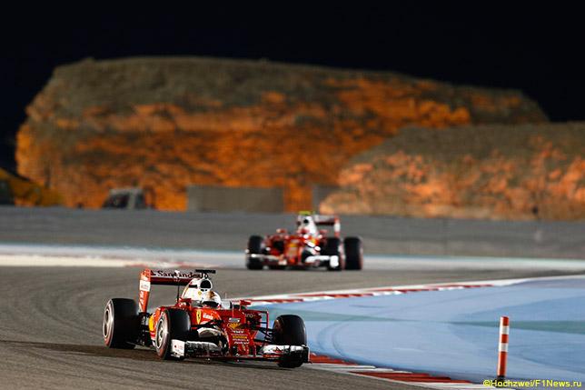 Себастьян Феттель на трассе в Бахрейне