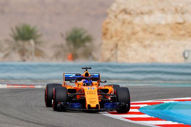 Джимми Джонсон за рулём McLaren