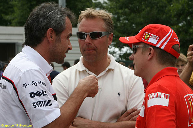 Справа налево: Кими Райкконен, Джей-Джей Лехто и Беат Цендер, ветеран Sauber, Гран При Франции, 2008 год