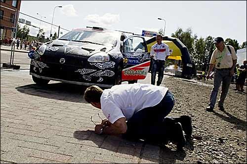 На Fiat Abarth Кими Райкконена была повреждена подвеска