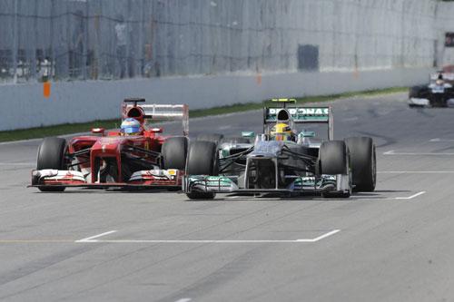 Фернандо Алонсо обходит Льюиса Хэмилтона на трассе Гран При Канады