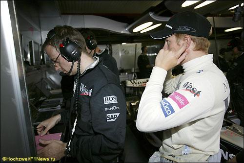 Марк Слейд и Кими Райкконен во времена работы в McLaren, 2004 год
