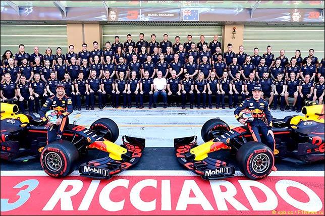 Групповая фотография Red Bull Racing