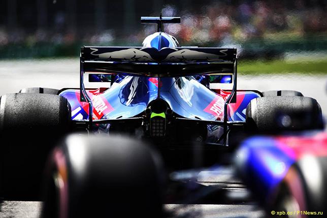Машины Toro Rosso с силовыми установками Honda