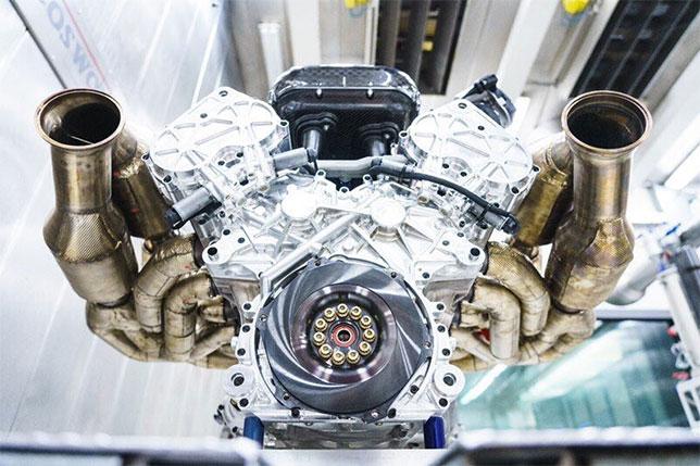 Сердце «Валькирии»: атмосферный V12 гиперкара Астон Мартин развивает 1014 «лошадок»