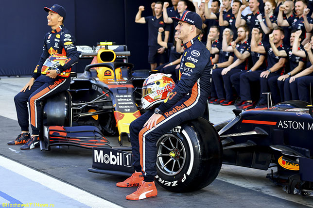 Команда Red Bull Racing отмечает окончание сезона в Абу-Даби