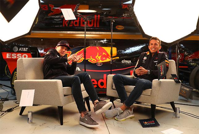 Макс Ферстаппен и Александер Элбон на базе команды Red Bull Racing