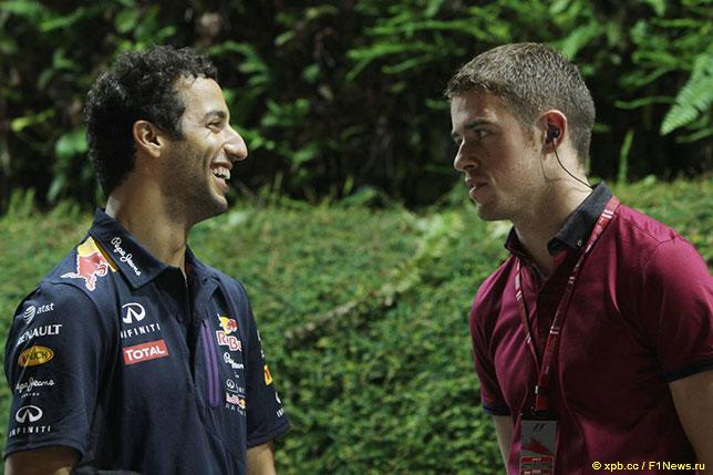 Пол ди Реста (справа) и Даниэль Риккардо в дни Гран При Сингапура, 2015 год
