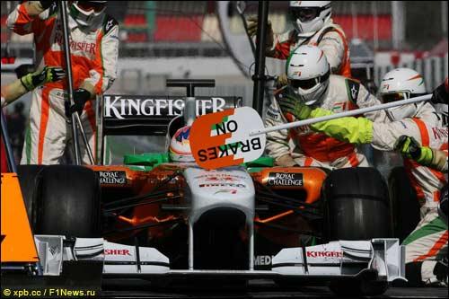 В среду команда Force India отрабатывала пит-стопы