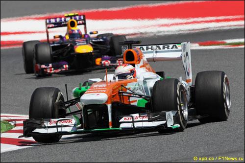 Пол ди Реста и Марк Уэббер на Гран При Испании