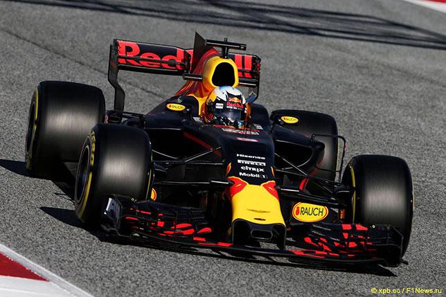 Даниэль Риккардо в первый день второй серии тестов в Барселоне
