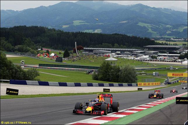 Макс Ферстаппен и Даниэль Риккардо на прошлогоднем Гран При Австрии