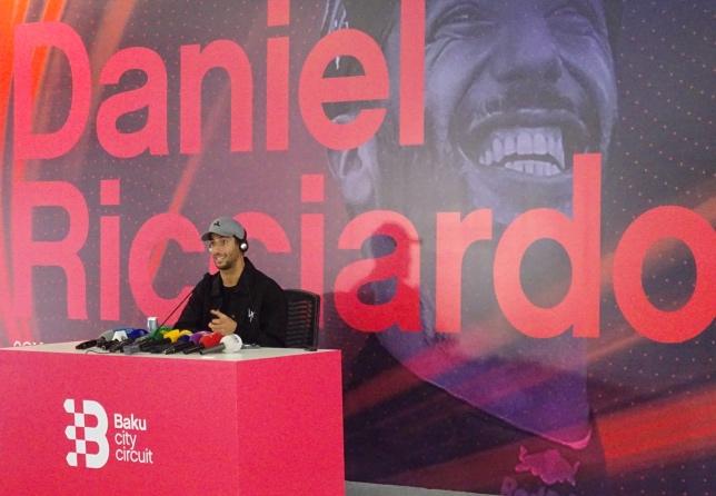 Даниэль Риккардо на пресс-конференции в паддоке Baku City Circuit