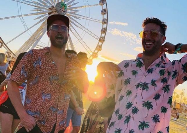 Даниэль Риккардо (справа) и его приятель Пол Фишер на фестивале в Калифорнии