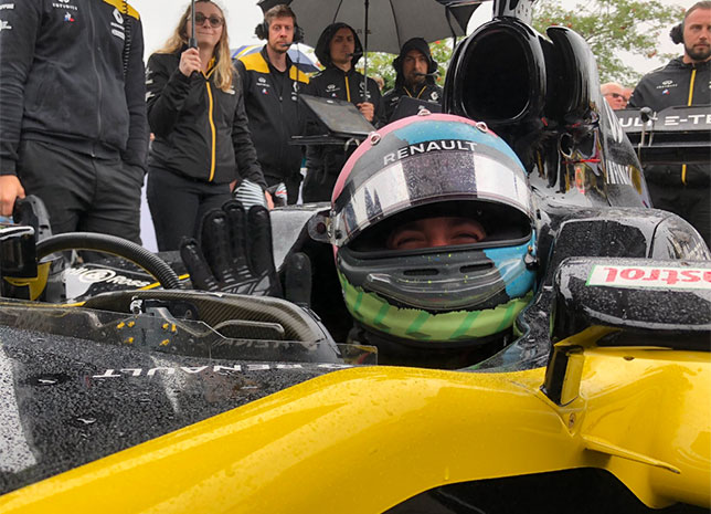 Даниэль Риккардо за рулём Lotus E20 на Фестивале скорости в Гудвуде