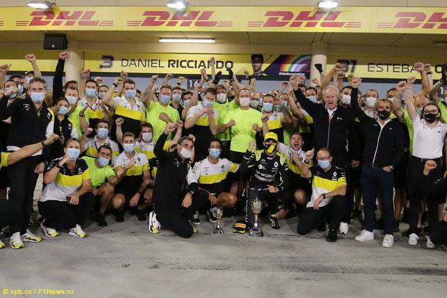 В Renault празднуют подиум Эстебана Окона
