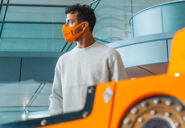 Даниэль Риккардо в Технологическом центре McLaren