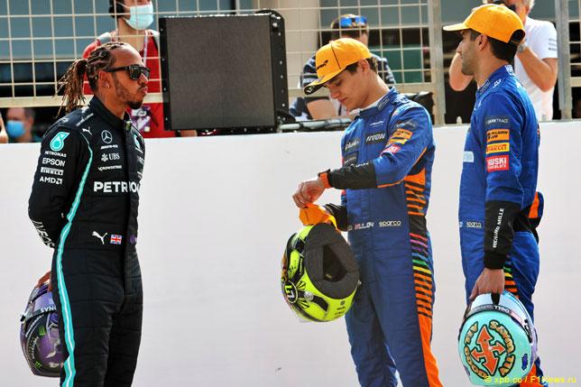 Льюис Хэмилтон с гонщиками McLaren