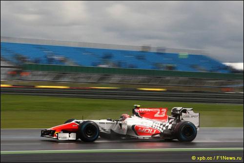 Витантонио Лиуцци на трассе Гран При Великобритании