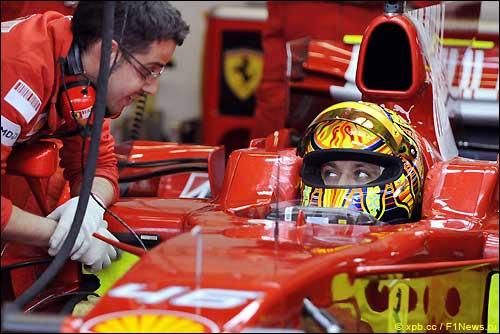 Валентино Росси на тестах Ferrari