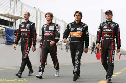 Экипаж GT Academy Team 1: Вольфганг Райп, Лукас Ордонес, Роман Русинов и Марк Шульжицкий