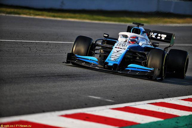 Джордж Расселл за рулём Williams FW42