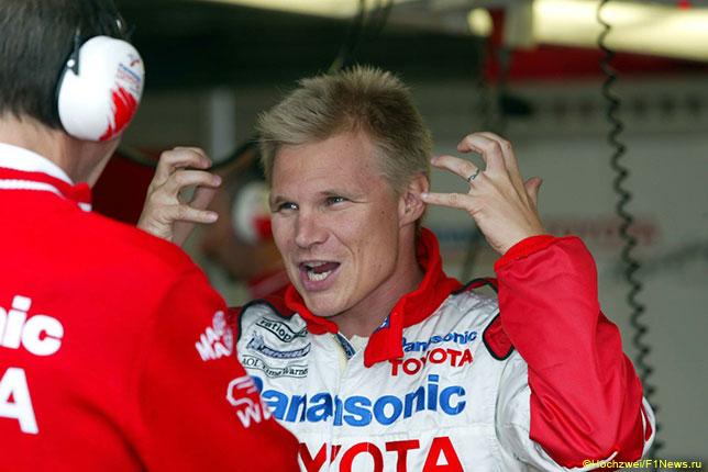 В 2002 году Мика Сало был гонщиком заводской команды Toyota