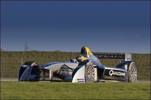 Лукас ди Грасси на тестах машины Формулы E