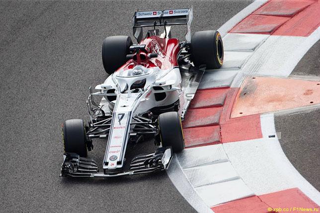 Кими Райкконен за рулём Sauber на тестах в Абу-Даби