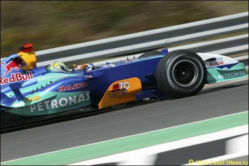 Джанкарло Физикелла выступал в Sauber в 2004-м году
