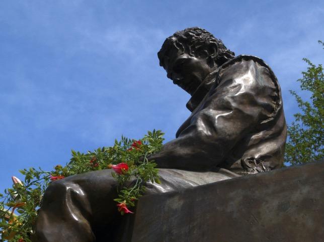 Памятник Айртону Сенне в Имоле