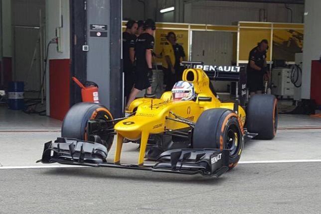 Сергей Сироткин на Lotus E21 в Валенсии