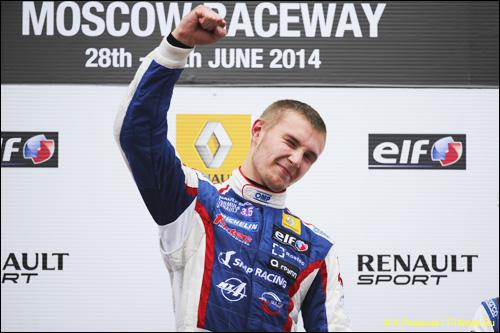 Сергей Сироткин - победитель субботней гонки российского этапа Мировой серии Renault