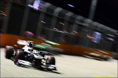 Валттери Боттас на прошлогоднем Гран При Сингапура