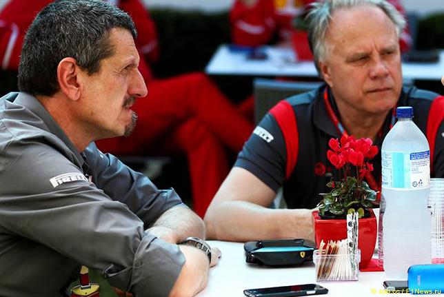 Гюнтер Штайнер и Джин Хаас, владелец комады Haas F1