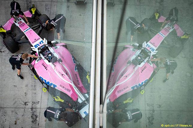 Машина Racing Point Force India на Гран При Абу-Даби, 2018 год