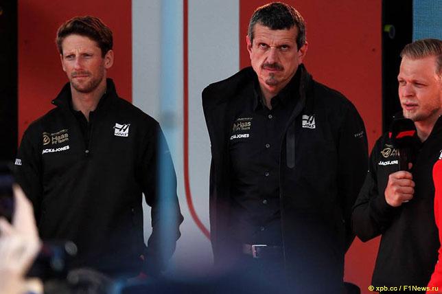 Гюнтер Штайнер с гонщиками Haas