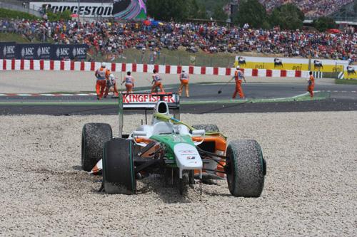 Гран При Испании. Разбитая машина Адриана Сутила